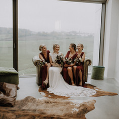 Wedding Styled Shooting White and Curvy