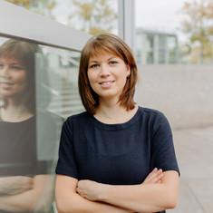 Businessportrait  2020 Carmen Jablonowsk