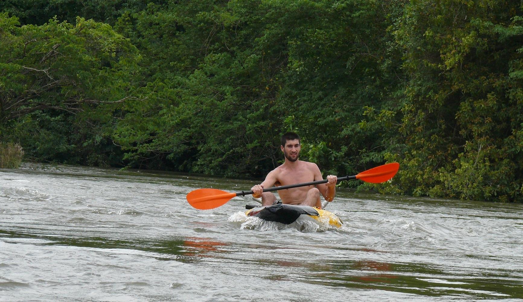 kayak-rapide-fleuve-mono