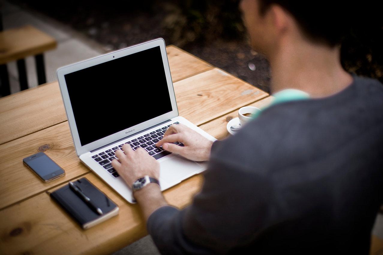 Att skriva på bärbar dator