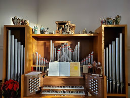 SUMH organ with creche scenes.jpg