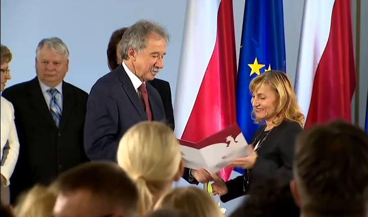 Wręczenia_zaświadczeń_o_wyborze_na_Posła_na_Sejm_RP.jpg