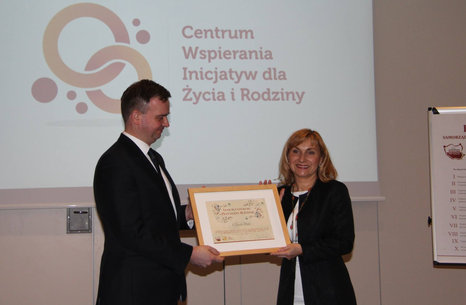 Wręczenie_dyplomów_Samorządowca_Przyjaznego_Rodzinie_2.jpg