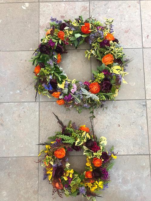 Begravelse, kranse med friske blomster