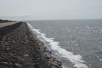 Die_Nordsee_an_den_Deichen_der_Nordseein