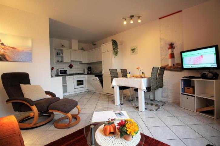 Rundumblick Wohn-/Essbereich + Küche