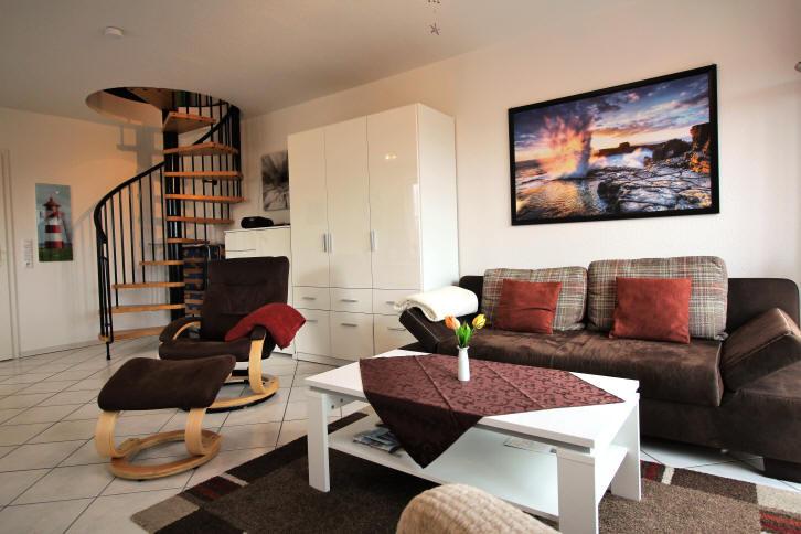 Wohnbereich + Aufgang zu Schlafzimmer