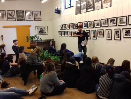 """Visita guidata """"Human Rights"""" con gli studenti del Liceo Virgilio di Milano"""