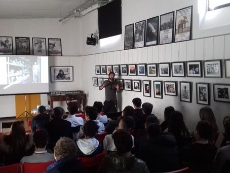 """Foto-proiezione commentata """"Human Rights"""" con gli studenti della Canadian School of Milan"""