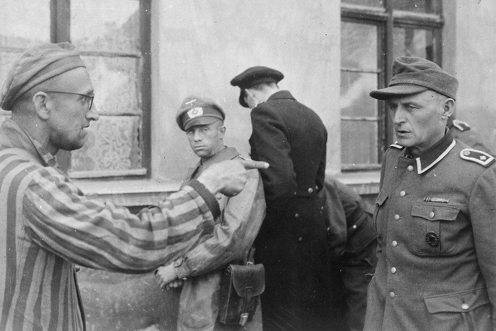 57-1945-14-maggio-Russian_slave_laborer_