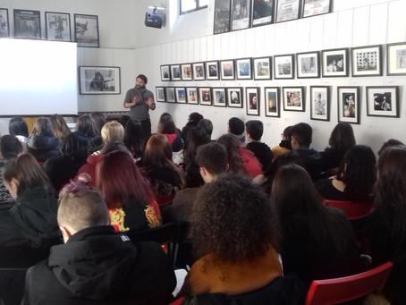 """Foto-proiezione commentata """"Human Rights"""" con gli studenti del Liceo Caravaggio"""