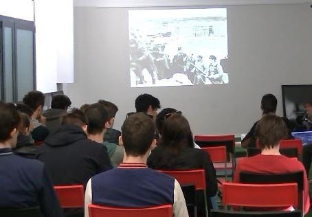 """Foto-proiezione commentata """"Assedio a Madrid"""" con gli studenti del liceo Fermi"""
