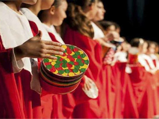 Corais natalinos encantam e levam a magia do Natal aos corredores do Iguatemi