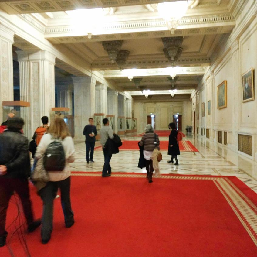viaje24h - parlamento romeno