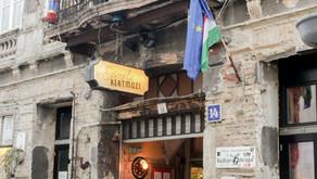 Conheça os bares de ruínas de Budapeste! (Hungria 02)