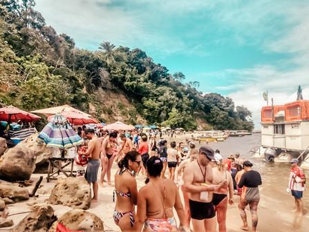Como é o passeio de catamarã de Porto de Galinhas até a Praia dos Carneiros