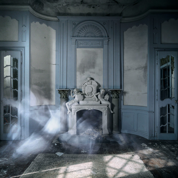 ghost blue velvet petit.jpg