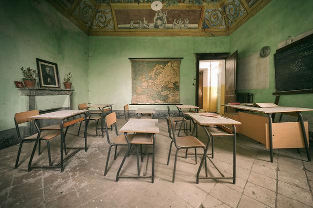 classe école scolaire élèves abandon oubli mémoire nostalgie ancien tekprod urbex emmanuel tecles