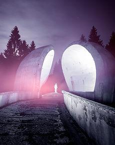 Spomenik art UFO OVNI exploration urbex Bosnie Night urbex brutalisme béton tekprod emmanuel tecles