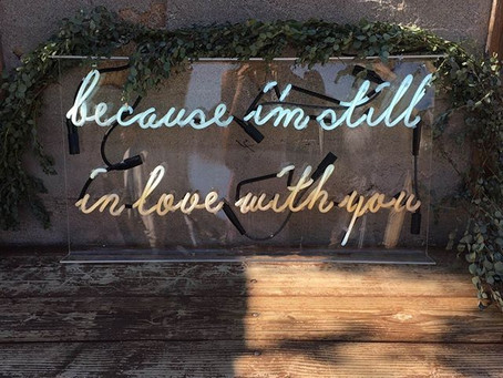 Reception Neon Wedding Sign Ideas to Add Brightness to Any