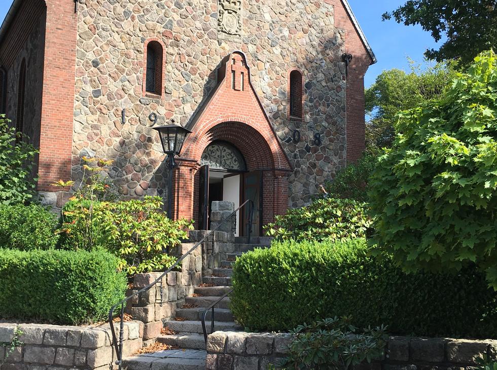 Kirche Schenefeld.JPG