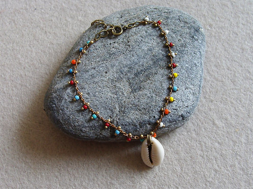 Bracelet chaîne perlée avec cauri