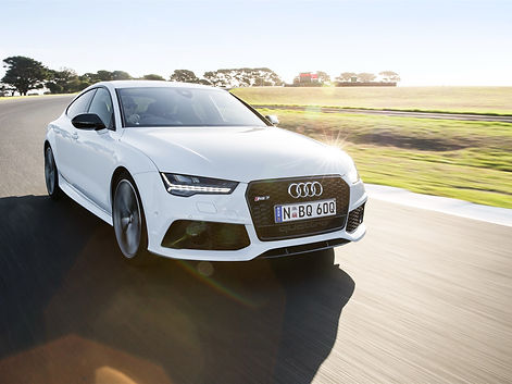 Audi-RS7-white-car-speed_1920x1440.jpg