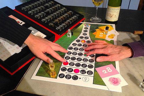 Le Nez du Vin (the Nose Knows) - Board Game (in English / en Francais)