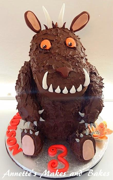 3D Gruffalo Cake 1.jpg