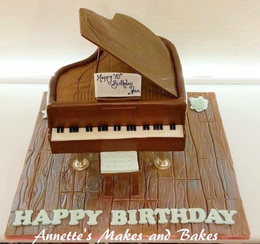 3D Grand Piano Cake 1.jpg