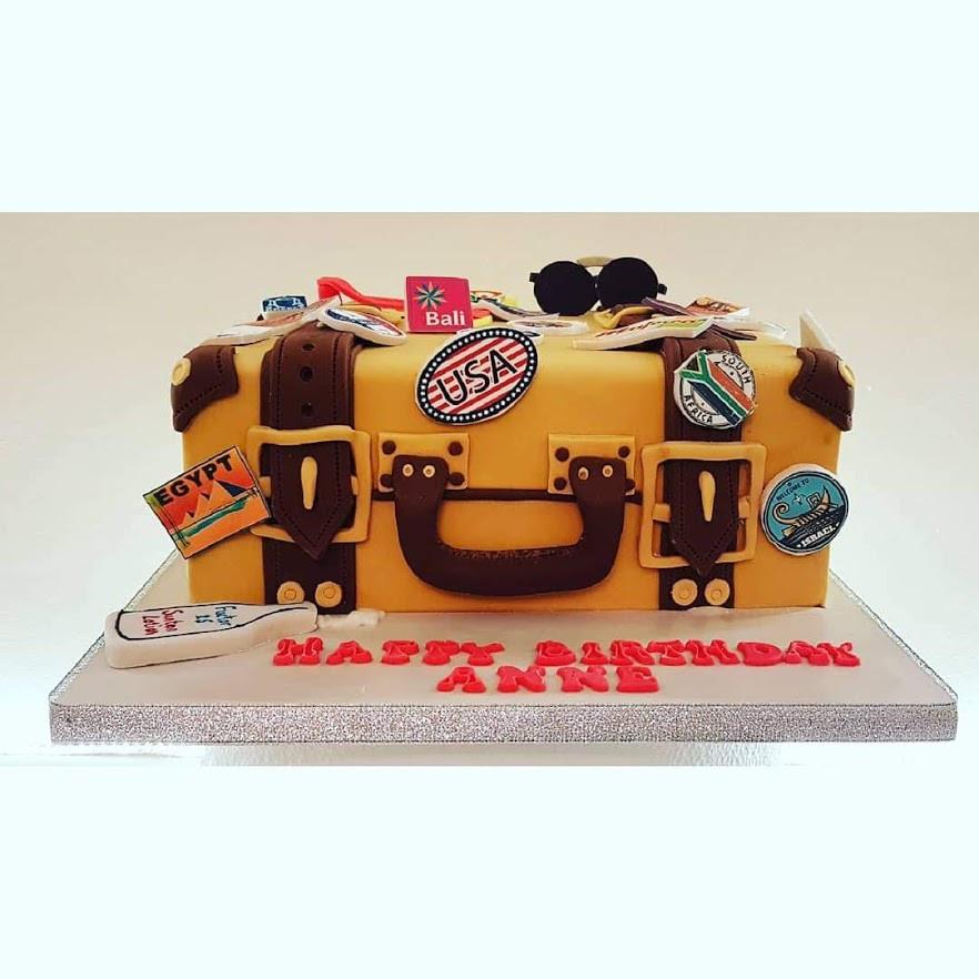 3D suitcase cake 1.jpg