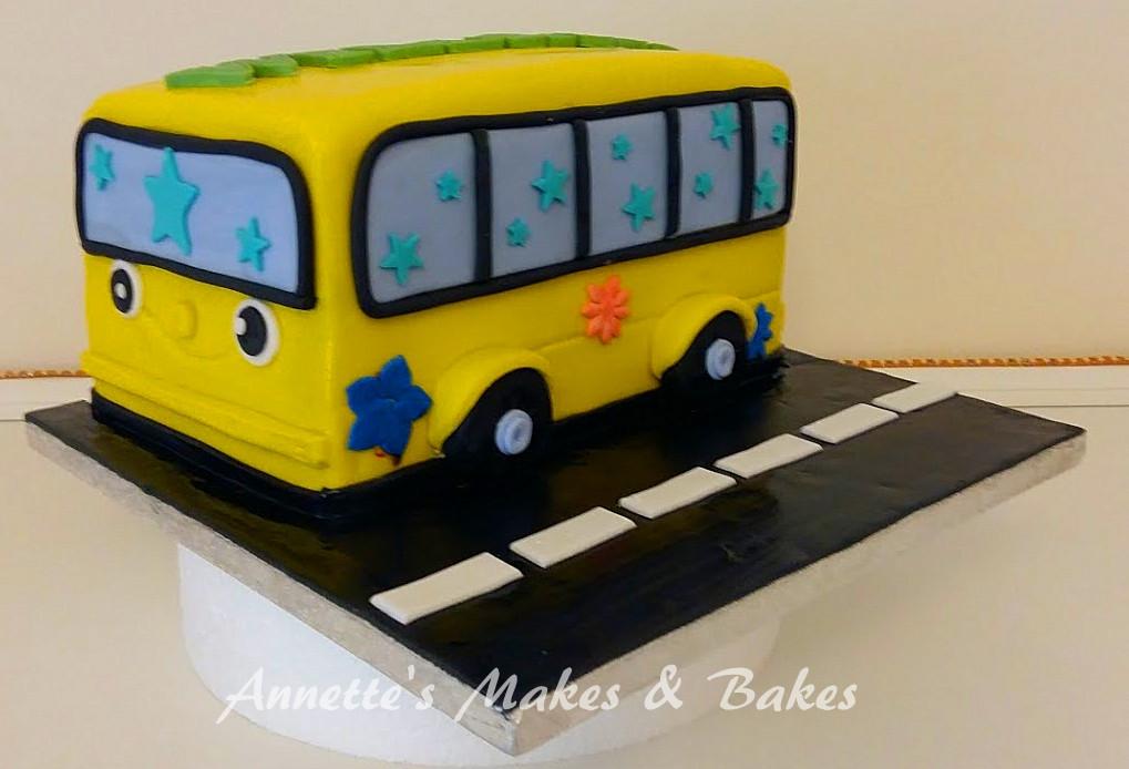 Little Yellow Bus Cake2.jpg