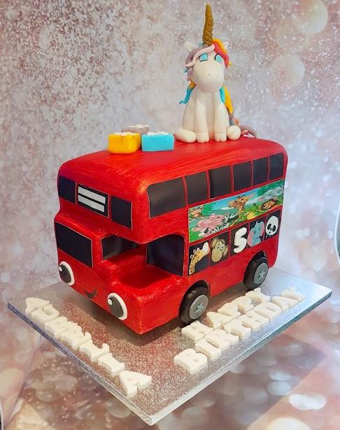 Double decker bus cake 2.jpg