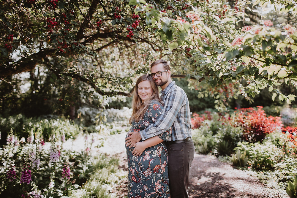 English Garden, summer maternity session.