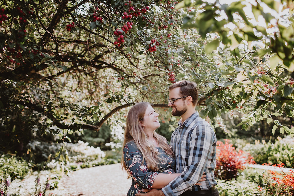 Summer, garden maternity photo shoot in Assiniboine Park.