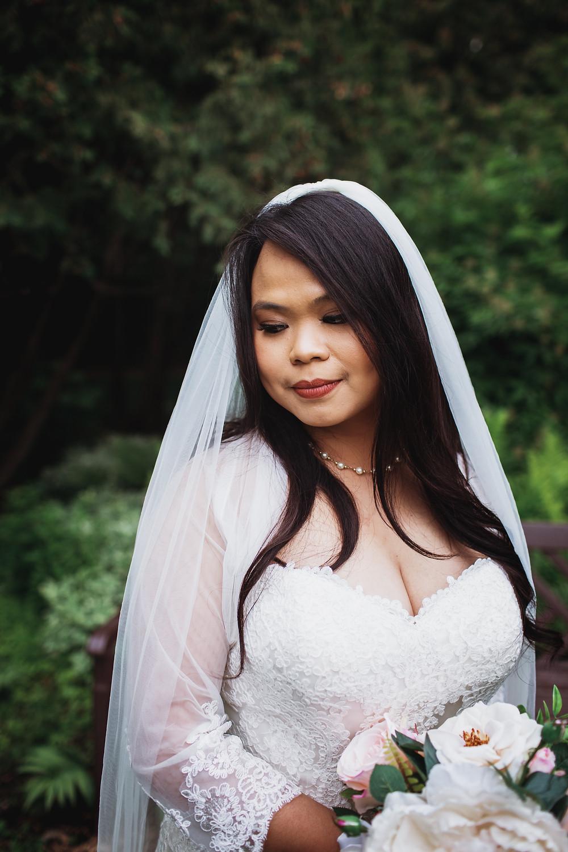 Winnipeg bridal portrait in Assiniboine Park.