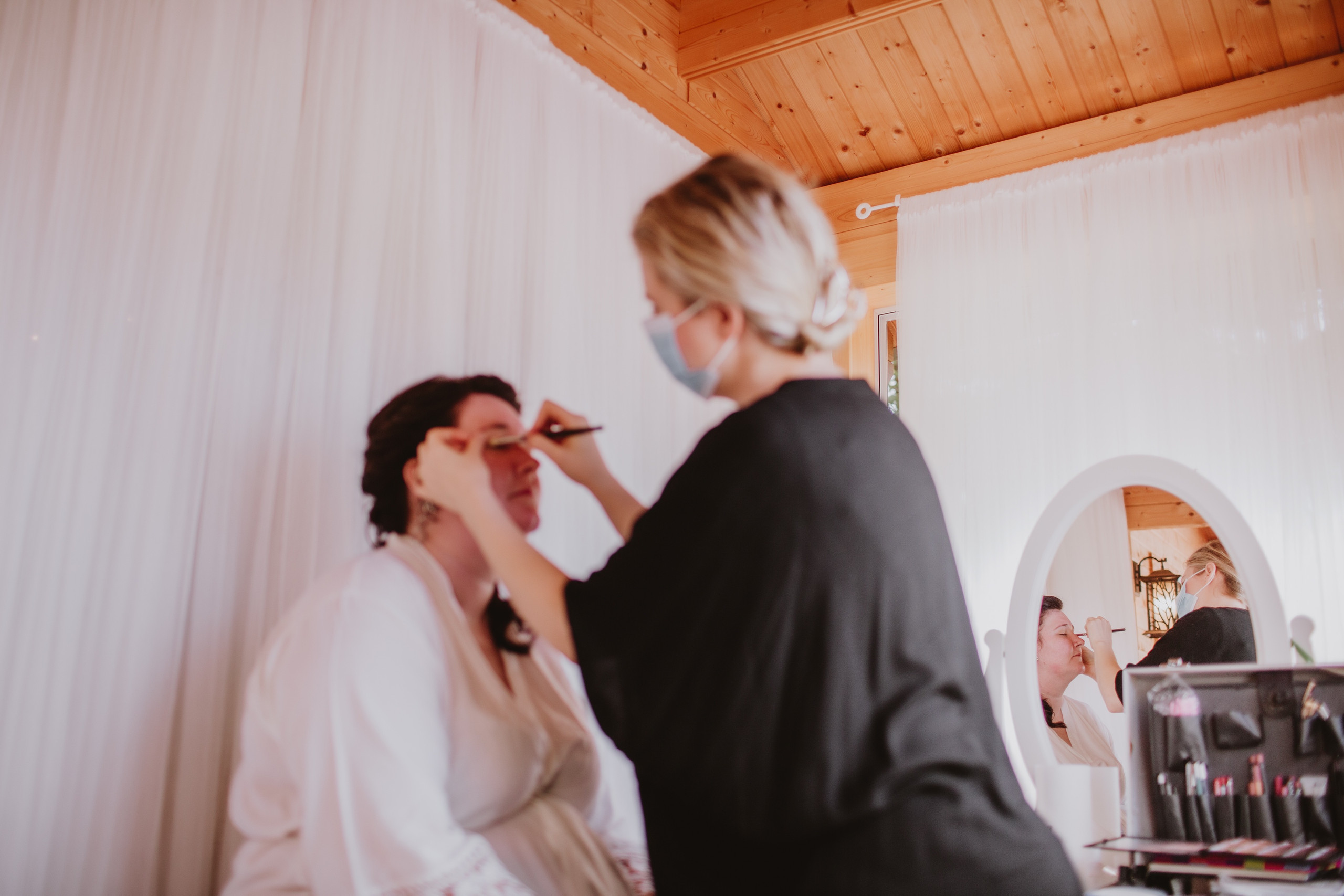 Bridal Makeup - Jessica Kmiec Artistry create a bridal look for Manitoba fall wedding.