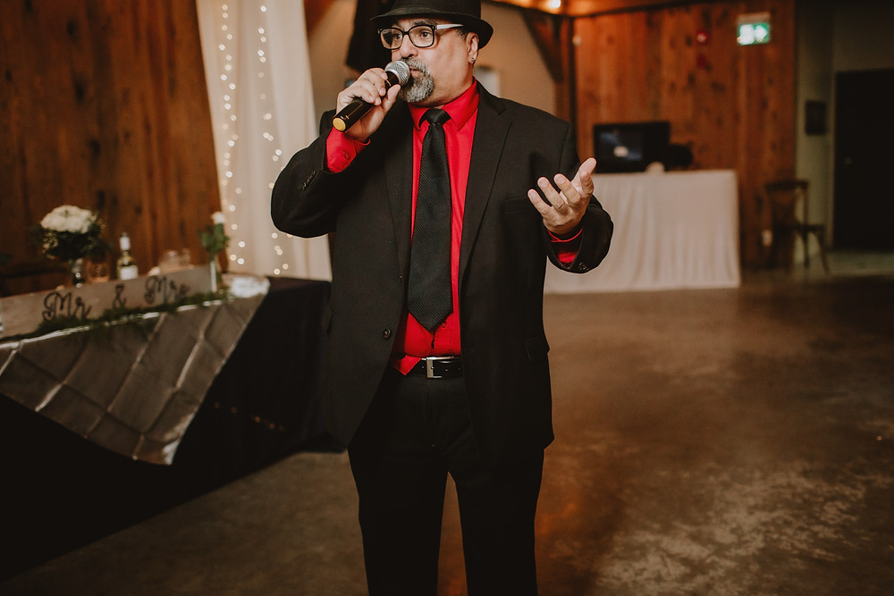 Gopher the Music MCs Manitoba wedding reception.