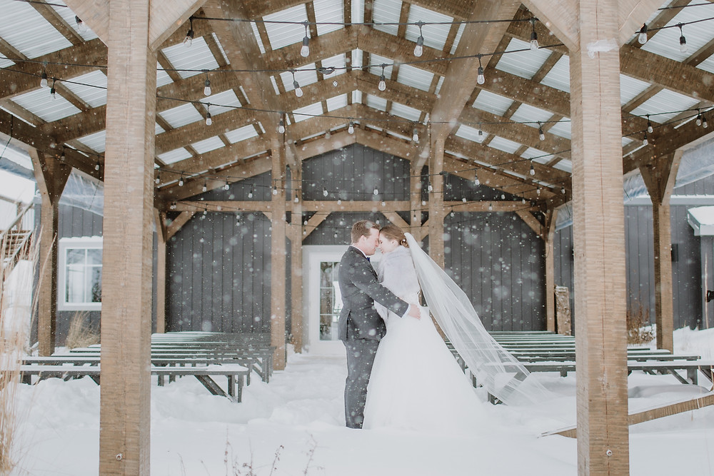 Snowy wedding day photos at Hawthorne Estates.