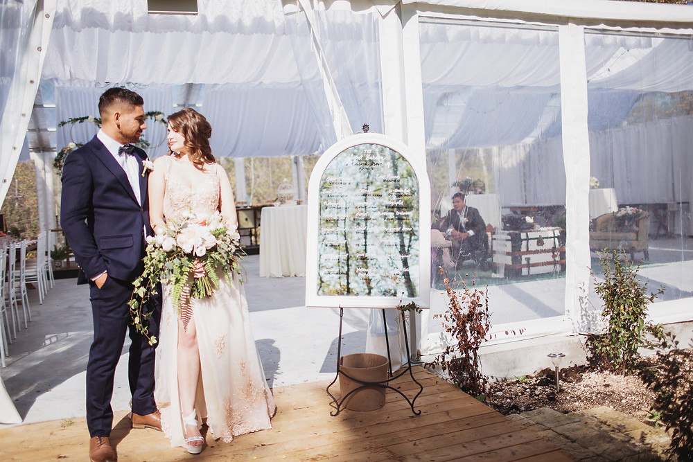 Fall wedding inspiration at Manitoba open air wedding venue.