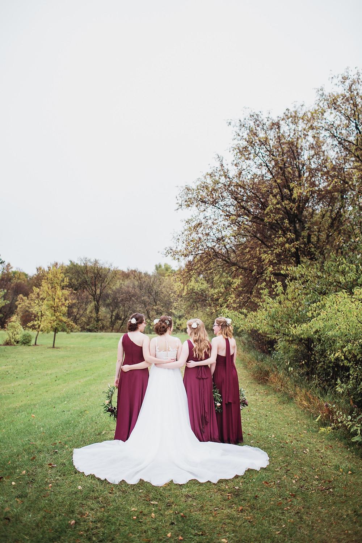 Bridesmaid and bride photo inspo