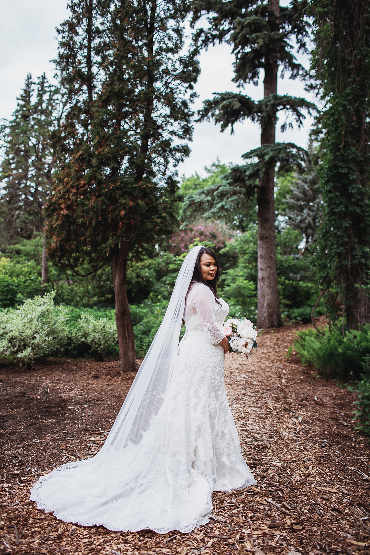 Filipino bride in Winnipeg, Manitoba.