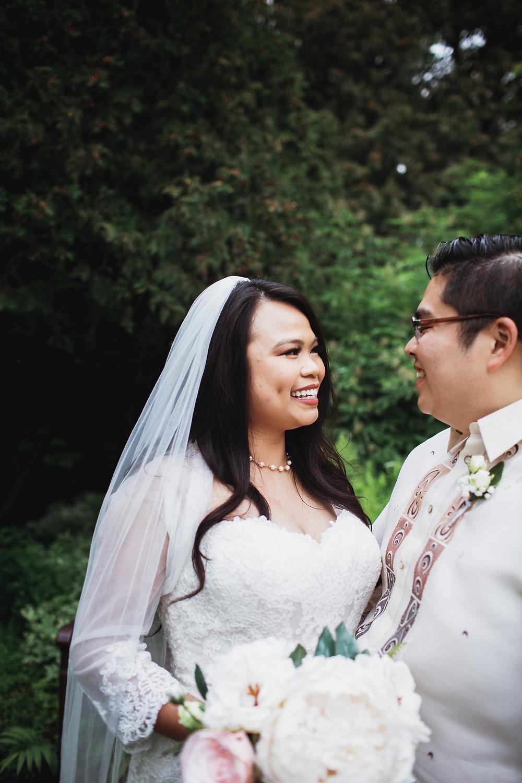 Winnipeg bride and groom, wedding day portraits at Assiniboine Park.