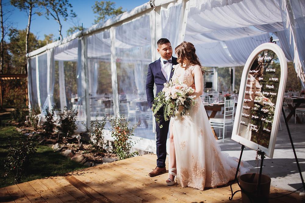 Canadian bride and groom, at Kinloch Grove, Manitoba wedding venue.