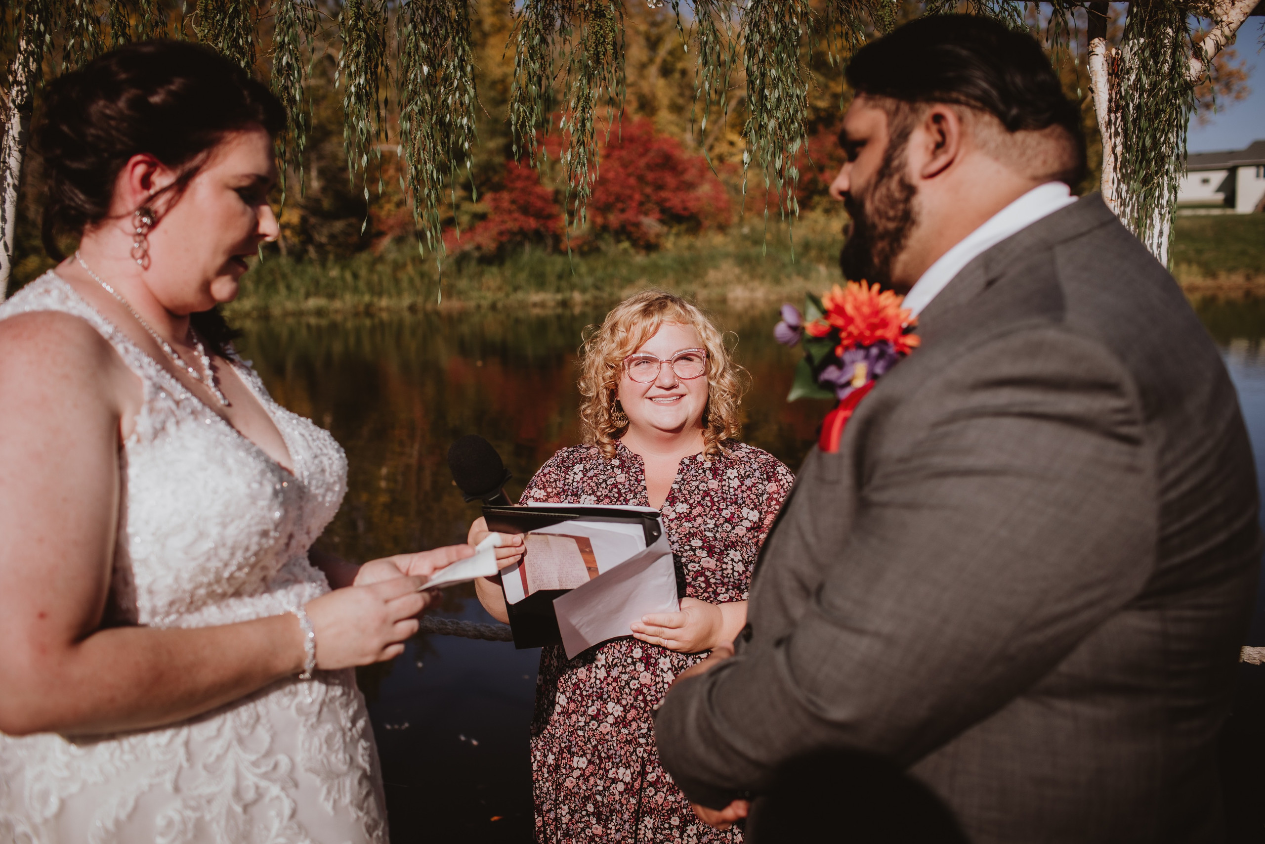 Robyn from A Perfect Ceremony I Do Performs Wedding ceremony during beautiful fall day.