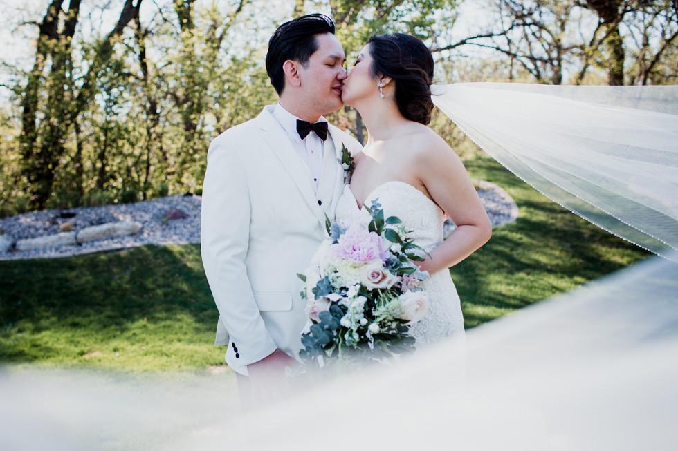 Glamorous Spring Wedding At Bridges Golf Course