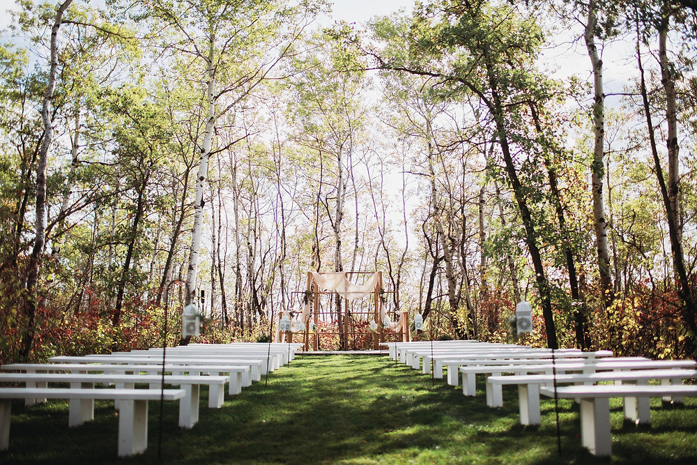 Outdoor ceremony space at Kinloch Grove in Matlock, Manitoba.