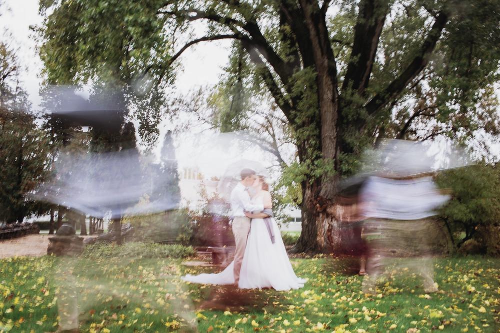 Bridal party long exposure photo inspo