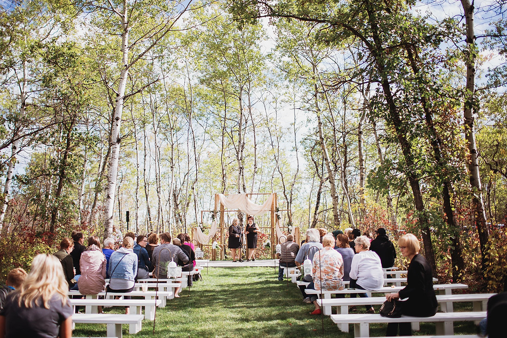 Outdoor ceremony at Kinloch Grove in Matlock, Manitoba.