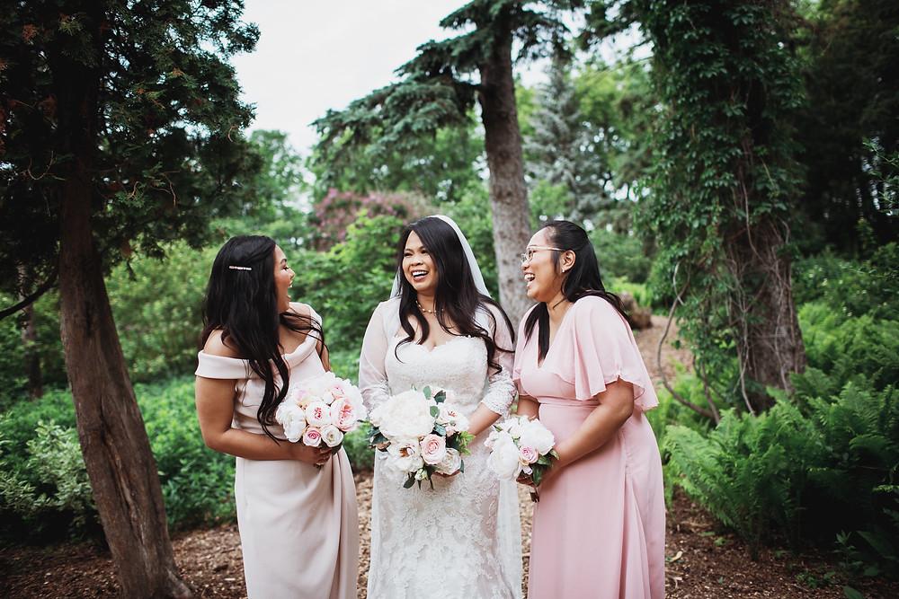 Winnipeg bridal party portraits in Assiniboine Park.